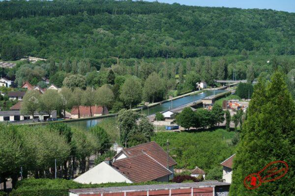 vue sur le canal de Bourgogne depuis les hauteurs de Montbard