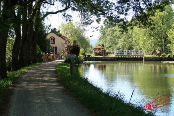 Écluse n°4 du canal de Bourgogne